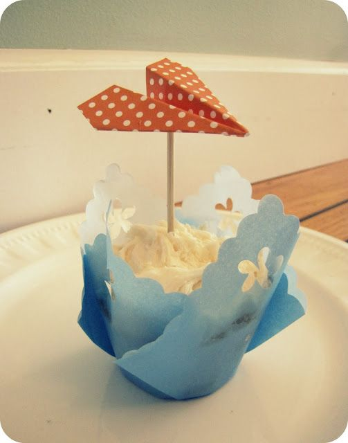 paper airplane cupcakes toppers