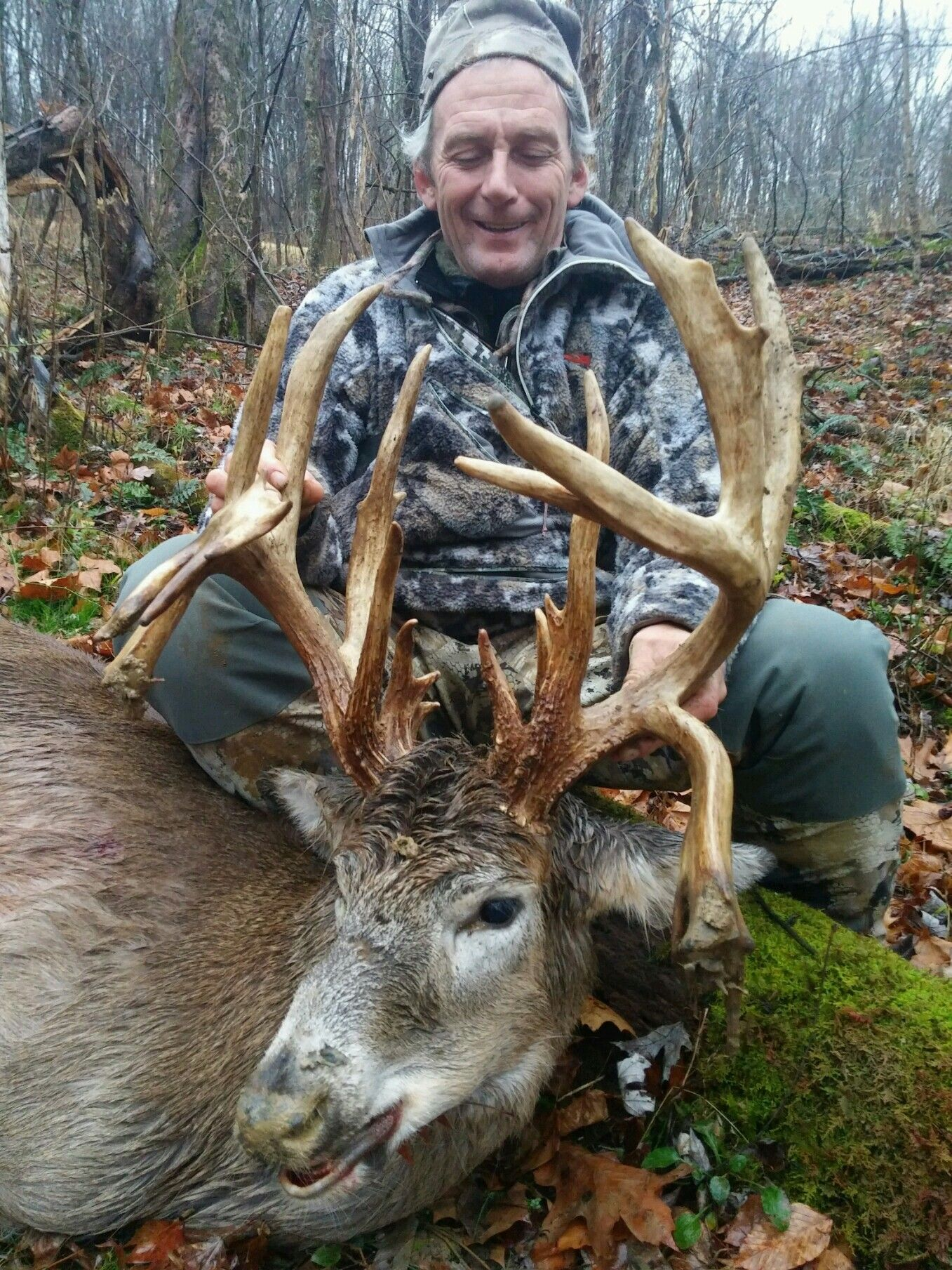 Dominant buck outfitters big deer whitetail hunting