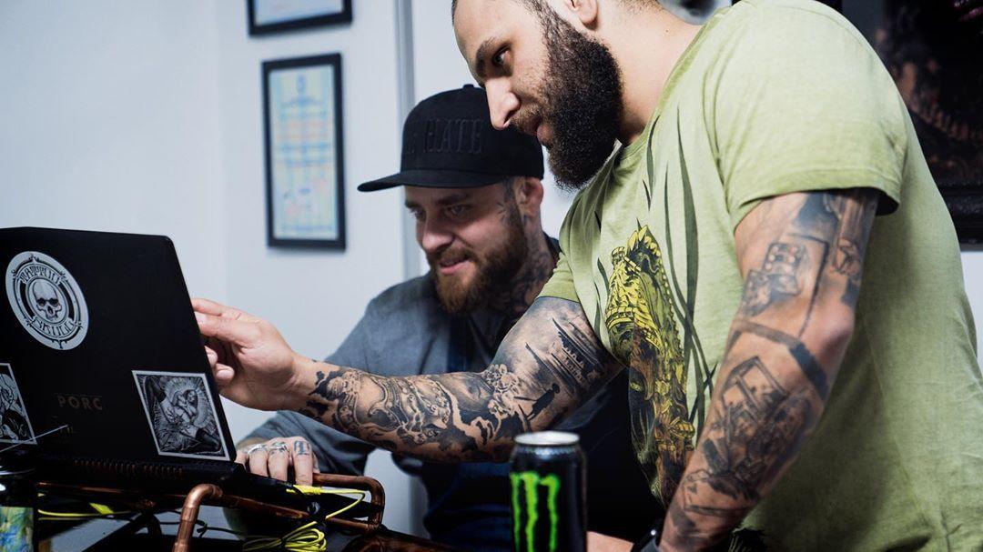 life before bats  @deepdrop_tattoo . . . . . . #blackandgraytattoo #tattoostyle #funnyclips  #funny #tattoolife #inktattoo #tattoer #tattoorealistic #funnyphoto #inkedmag #instatattoo #tattooink #inked #failvid #tattooaddict #tattooed #funnypics #tattoo #inkedlifestyle #tattooworkers #funnypicture #tattooartist #funnyshit #instattoo #tattooblackandgrey #tattooist