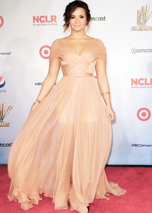 Demi Lovato | Demi Lovato | Pinterest | Celebrity, Idol and Female ...