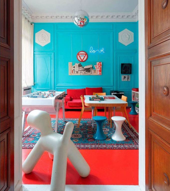 20 Colors That Jive Well With Red Rooms #red #and #turquoise #living #room