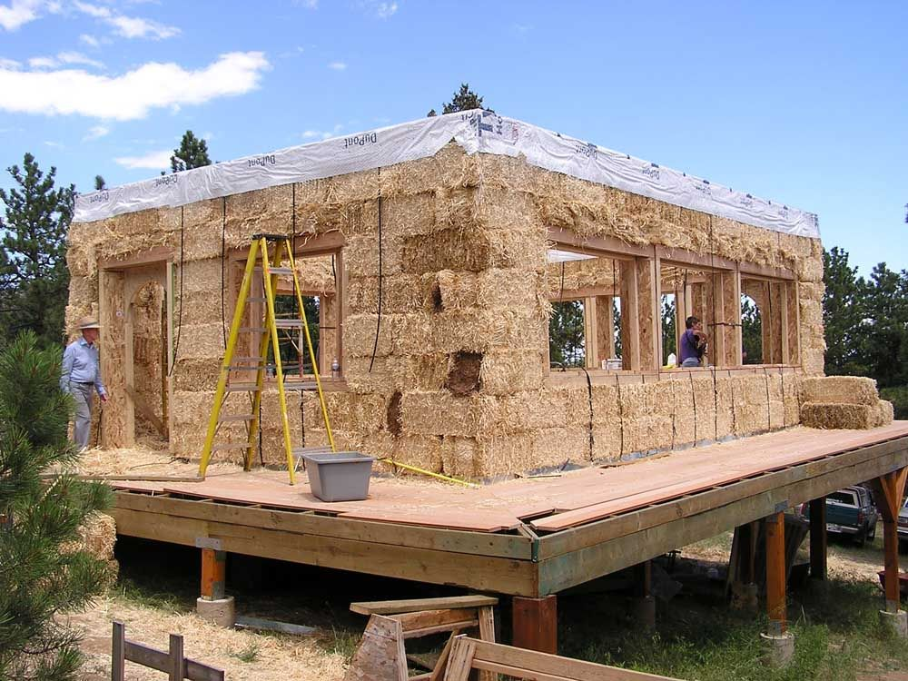 Strawbale Home Being Built Natural Building Cob House Earth Homes