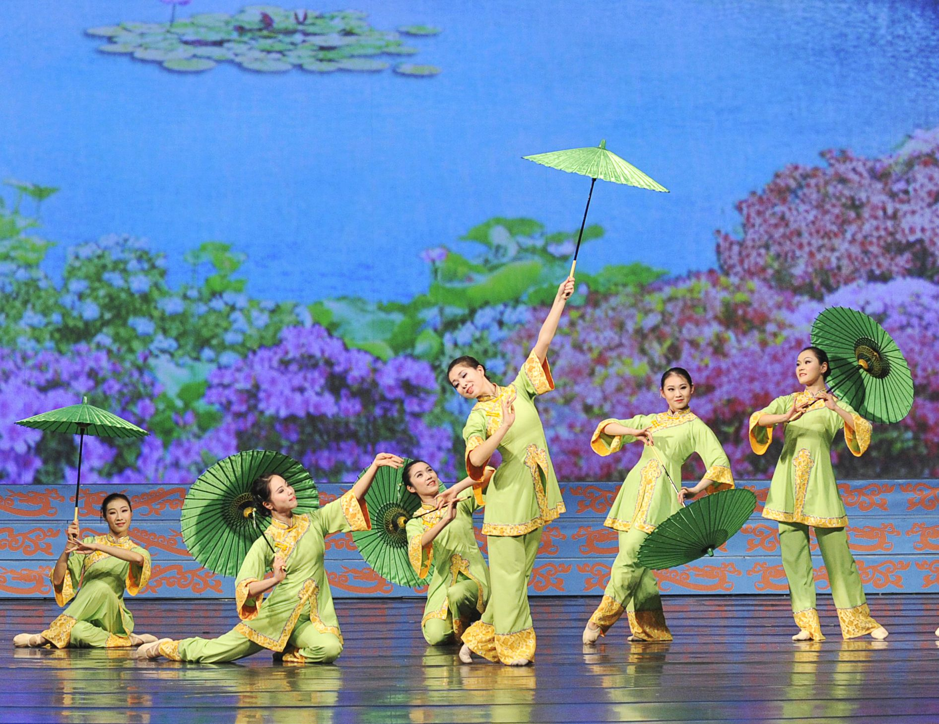 Shen Yun Returns To Los Angeles With All New Dance Spectacular Adds A Sixth Venue Art Performance Art Falun