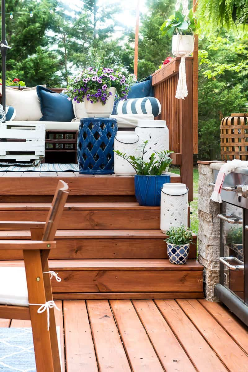 Easy Outdoor Space Refresh Using Colorful Accessories And Decor