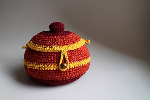 Košík - žltá terakota gombík