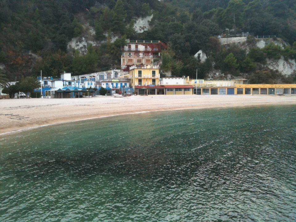 Spiaggia sotto Monte Conero (credits Paolo Negri)