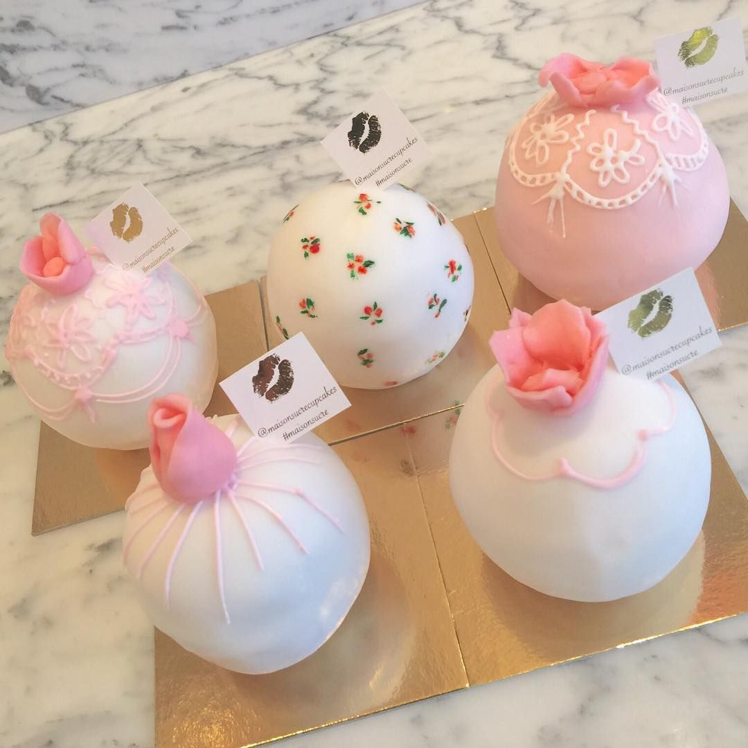 """""""Pretty little cakes #cakes #mini #desserts #roses #flowers #design #uae #bakery #abudhabi #maisonsucre"""""""