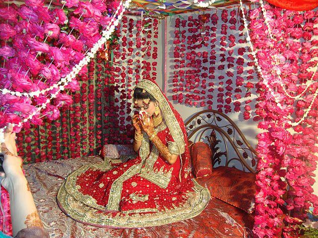 Flower Garlands Wedding BedWedding DecorWedding