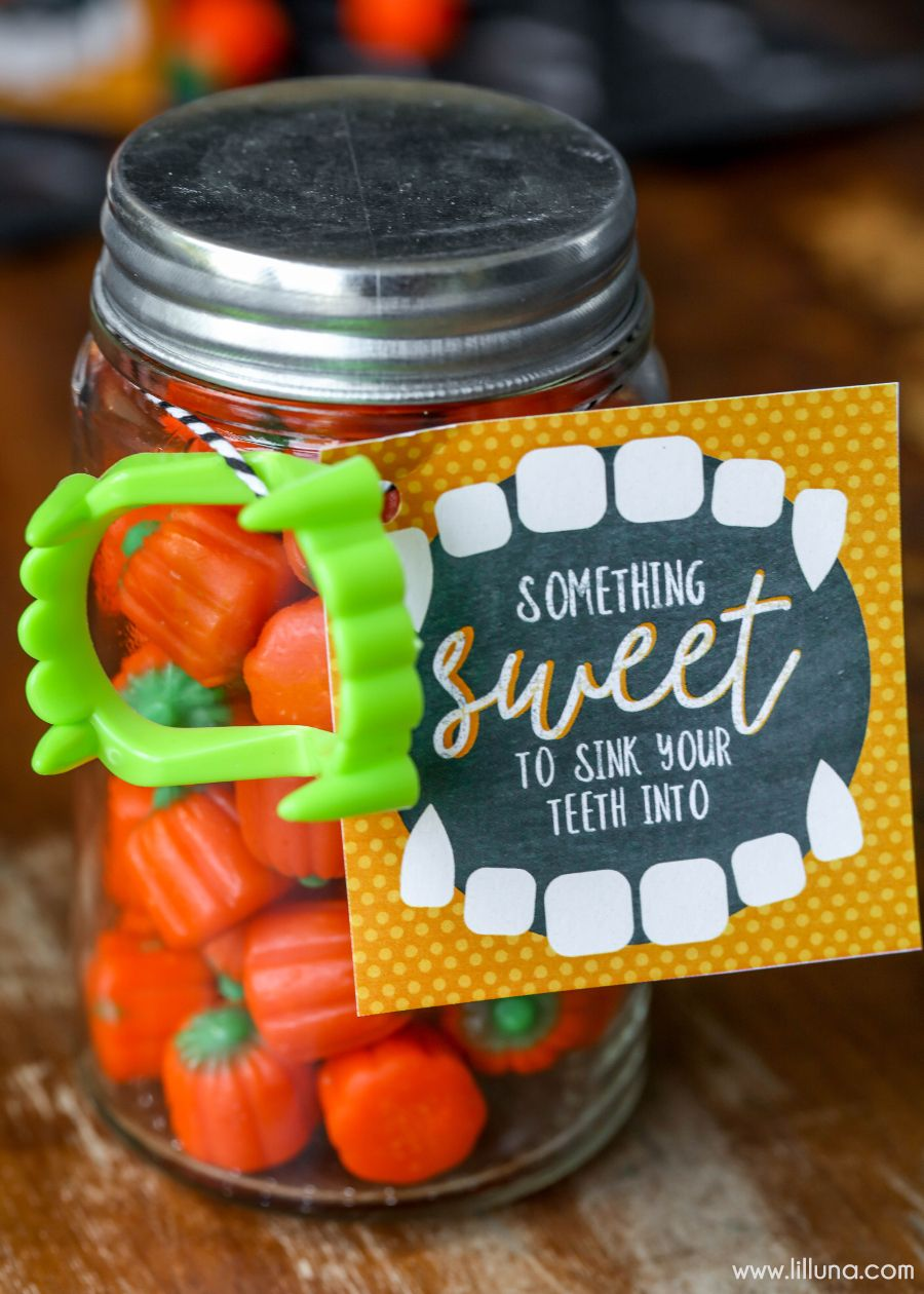 Something Sweet To Sink Your Teeth Into Cute And Simple Halloween Gift Idea With Free Printable Tags