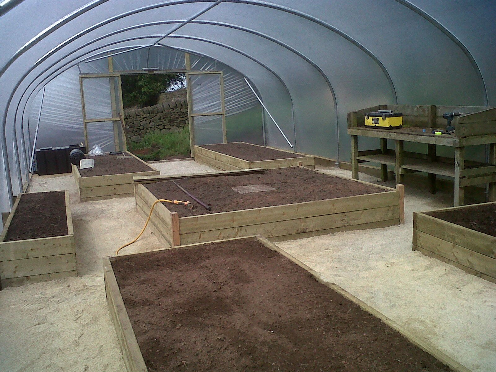 Raised beds layout idea for an 18ft x 42ft polytunnel
