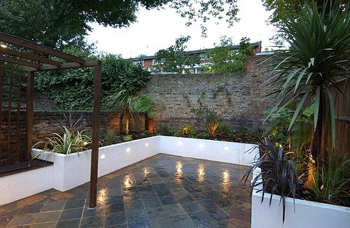 the urban courtyard garden by earth designs wwwearthdesignscouk - Courtyard Garden Ideas Uk