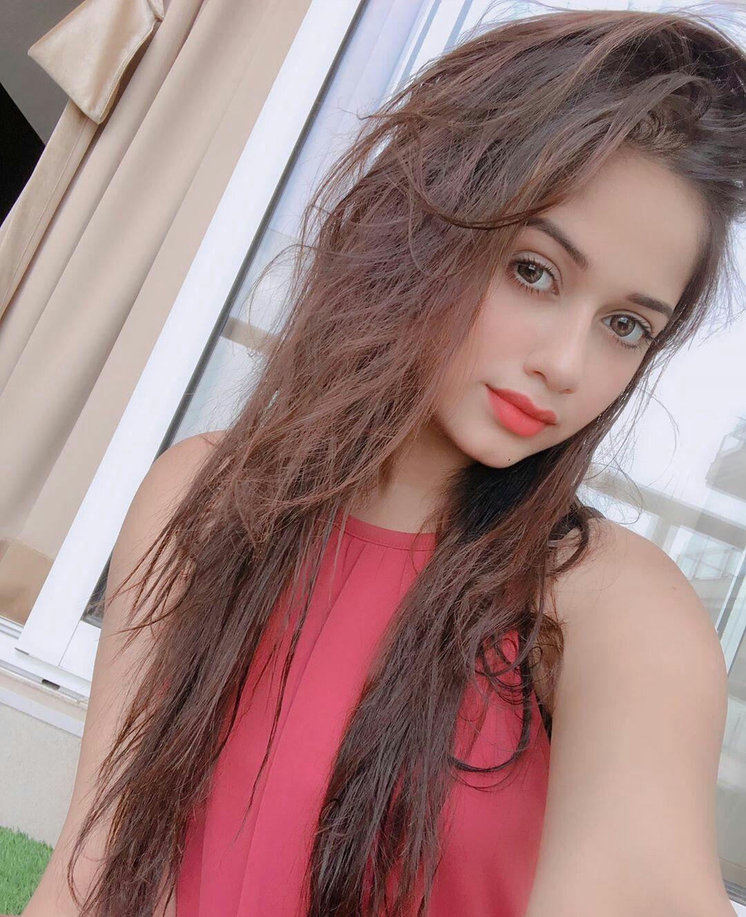 Jannat Zubair Crush Dp Celebrity Girl Beauty Stylish Dpz Wallpaper Cinema Actress Ticktok Bollywood Tharkipan Long Hair Styles Hair Styles Beauty