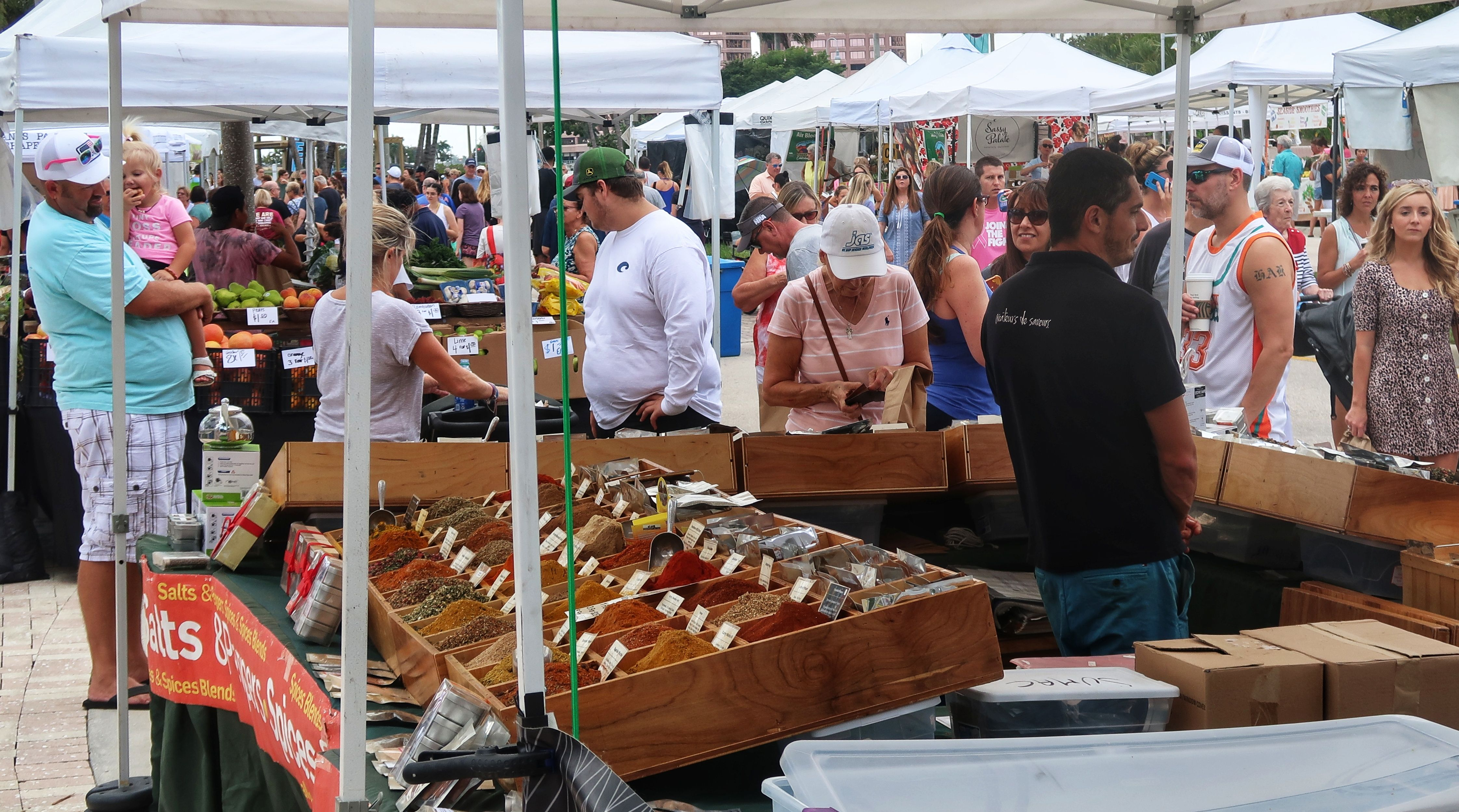 Another Busy Day At The Green Market Ilovewpb Marketing Green Clematis Street