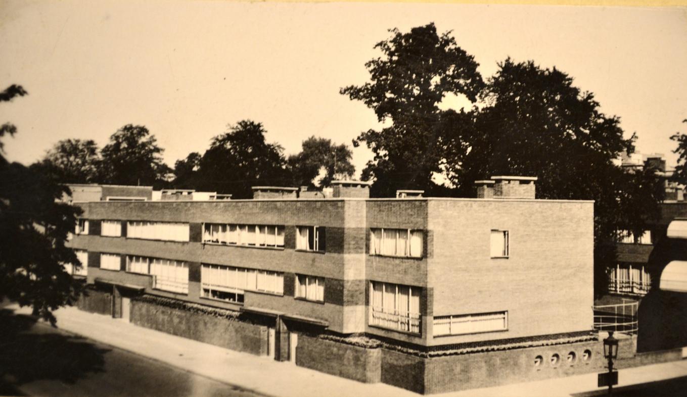 Eduard van steenbergen complex volhardingstraat hoek for Interieur antwerpen