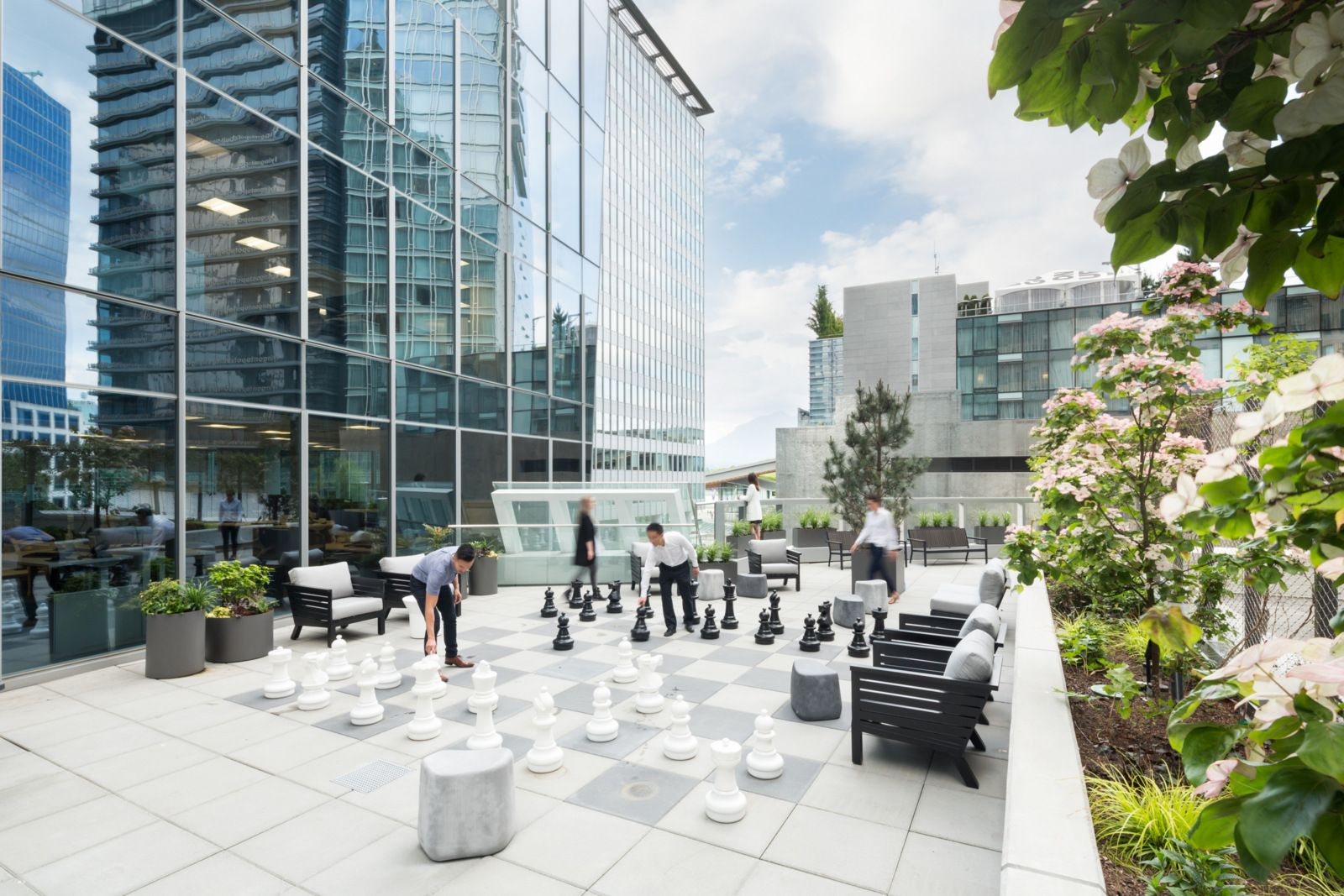 LGM Office by DIALOG Office Snapshots Roof garden