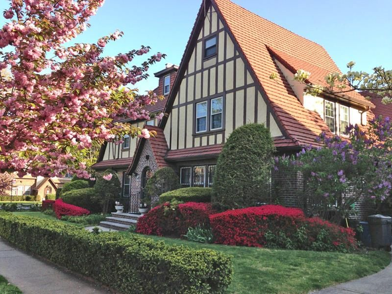 New Exclusive Listing Spacious Tudor Classic 97 06 Continental