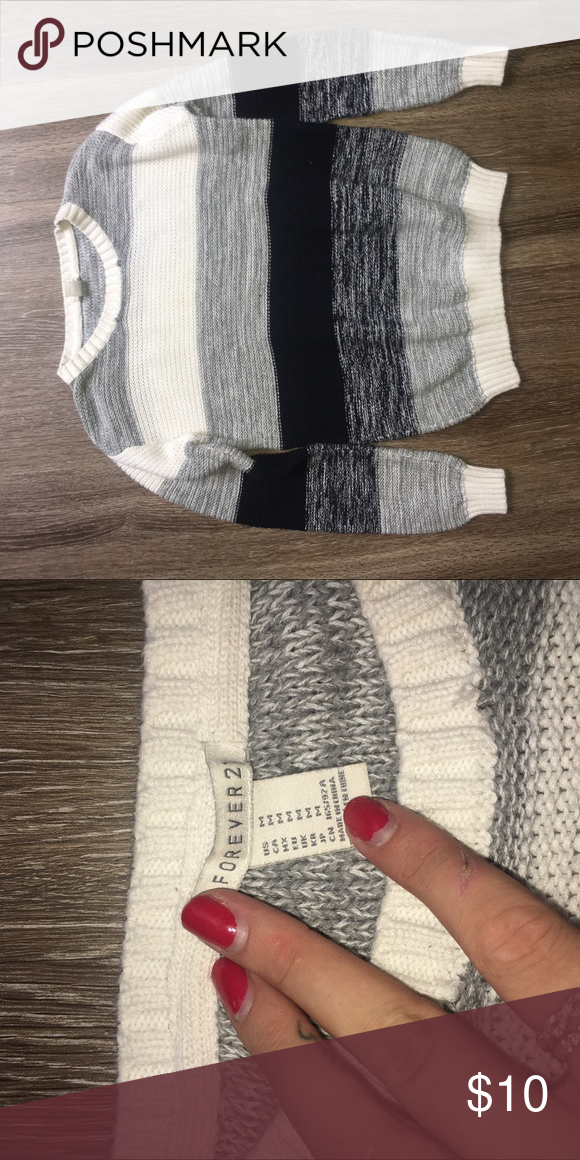 BLACK OMBRÉ SWEATER This forever 21 sweater is in great condition and absolutely adorable :) Forever 21 Sweaters