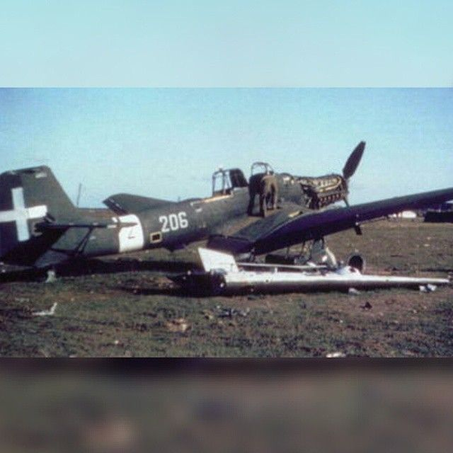 "One of the dozen ""Dora"" urgently delivered to Italian Regia Areonautica  Luftwaffe in late spr - italian_front"
