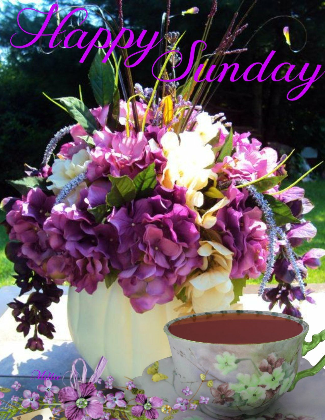 Pin By Joyce Turner On Happy Sunday Quotes Wedding Table Centerpieces Purple Table Flowers Purple Centerpieces