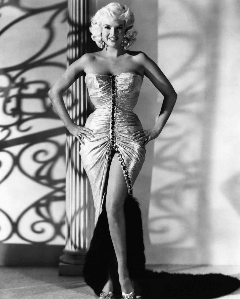 Jayne Mansfield. I definitely see the resemblance between Jayne and her daughter Mariska Hargitay, in this picture particularly.
