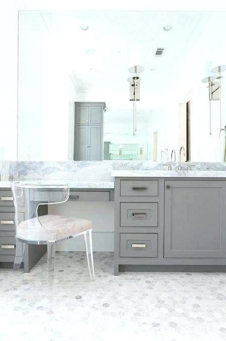 The Most Elegant Modern Style Bathroom Ideas In 2020 Bathroom With Makeup Vanity Chic Bathrooms Master Bathroom Vanity