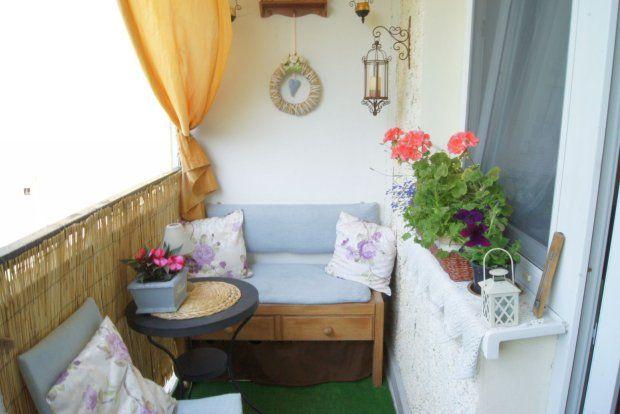 Ladny Maly Balkon Szukaj W Google Small Balcony Outdoor Furniture Sets Outdoor Furniture