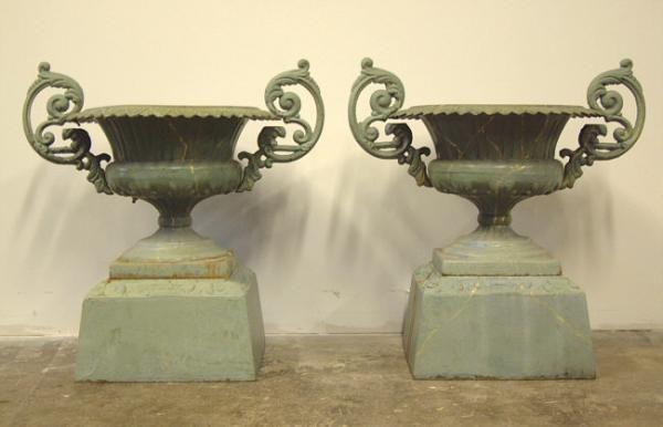 Price My Item Value Of Antique Cast Iron Garden Urns By Kramer Bros Dayton Ohio Antique Urn Garden Urns Antiques