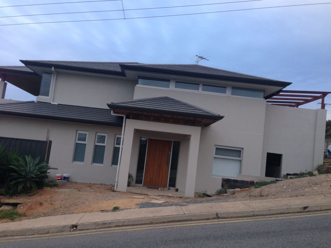 Colorbond roofing colours pictures to pin on pinterest - Duck White Render Woodland Grey Gutter