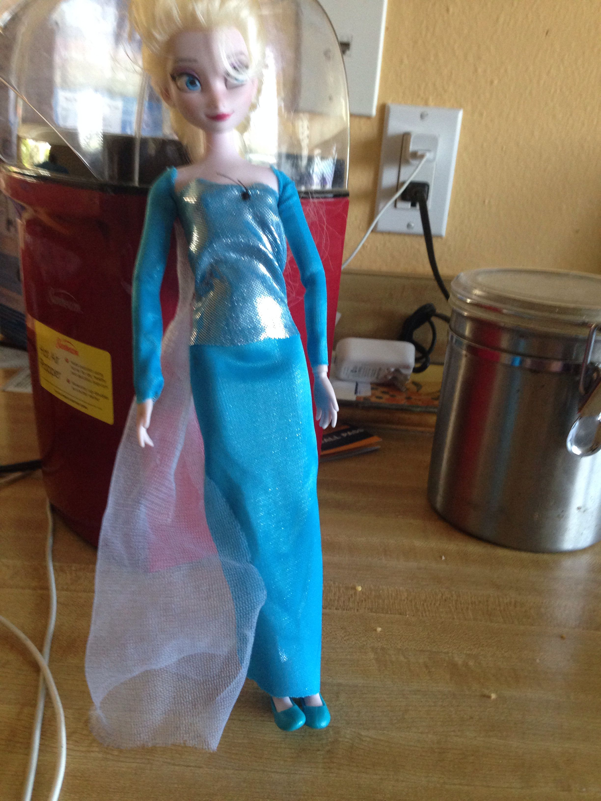 Make a dress from frozen for your doll!