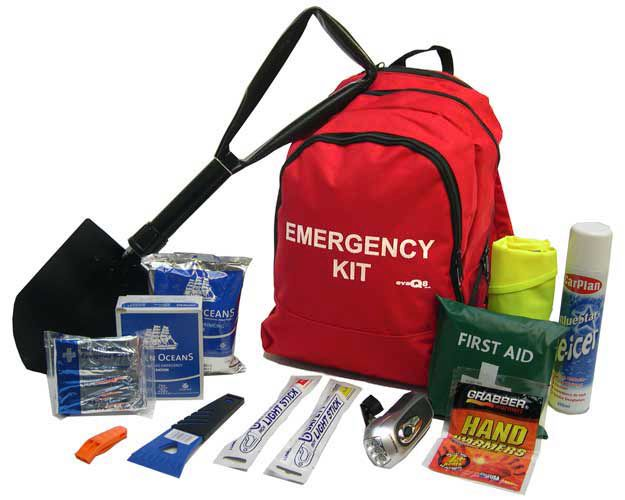 what to put in a winter emergency car kit