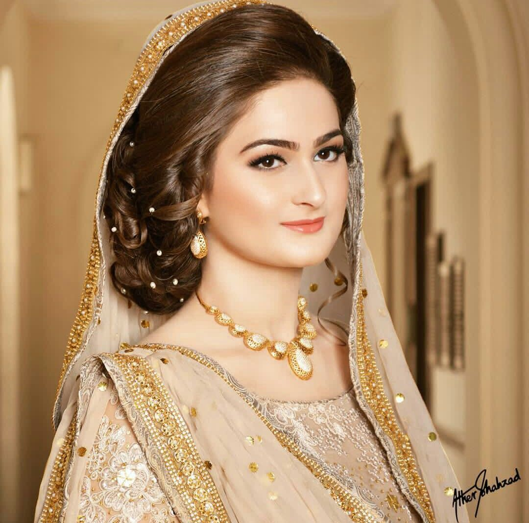 Love This Simple Bride Pakistani Bridal Hairstyles Simple Bridal Hairstyle Asian Bridal Hair