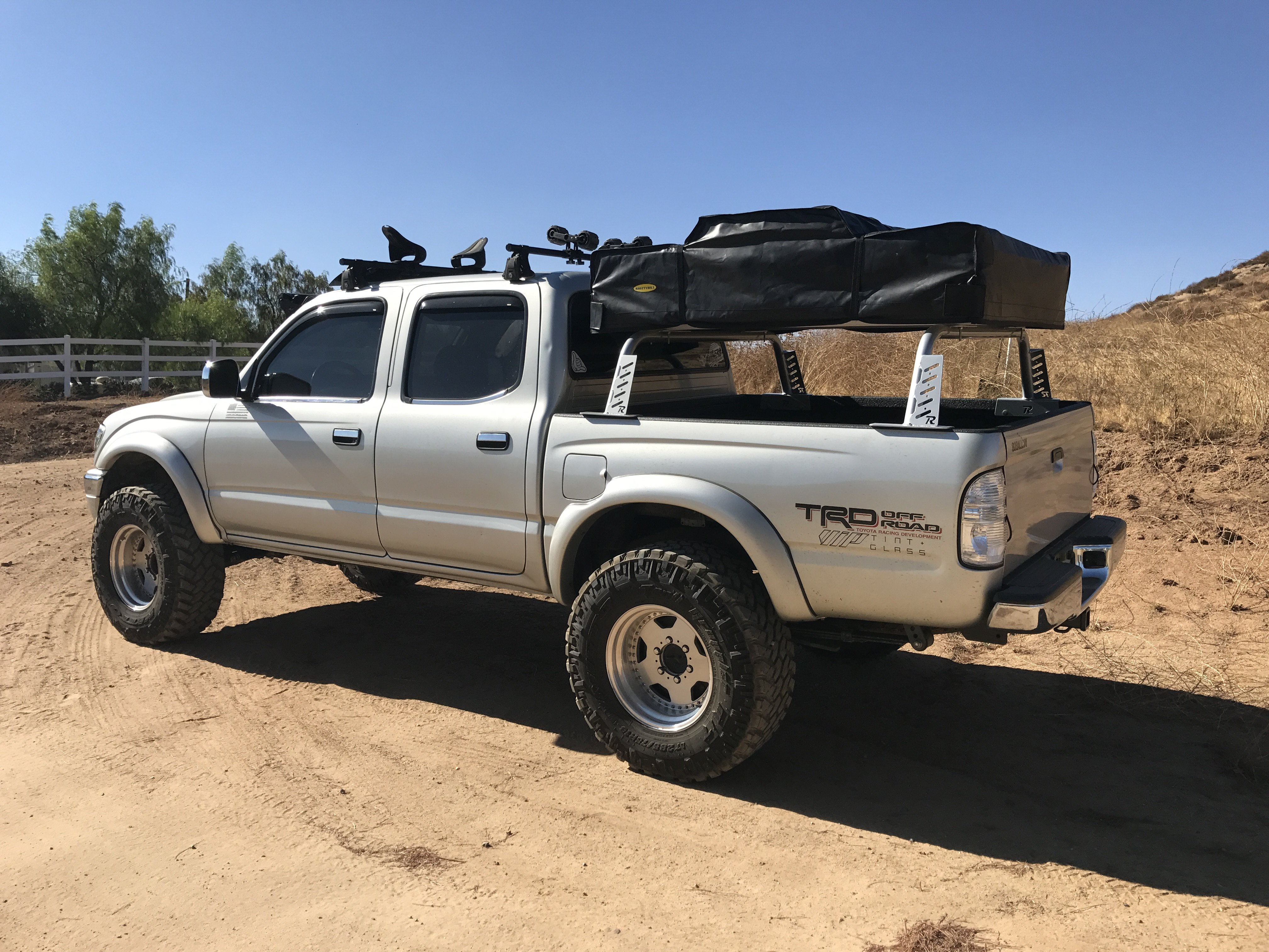 19952003 1st Gen Toyota MidLevel Rugged Bed Rack