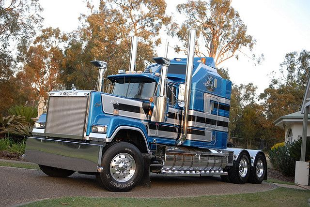superliner rigs mack trucks and biggest truck. Black Bedroom Furniture Sets. Home Design Ideas