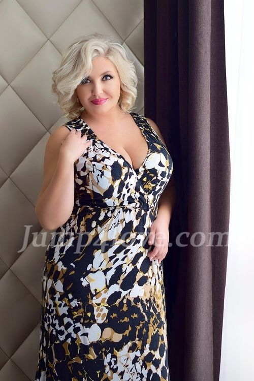 Kobieta, 38, United Kingdom, England, Greater London, City of London, Walbrook.