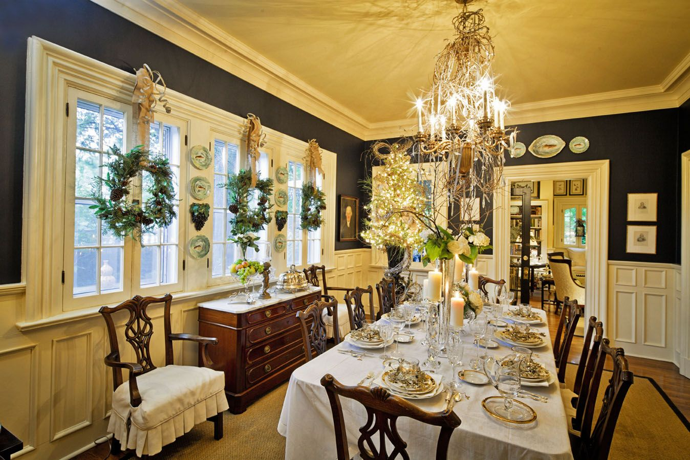 Holiday Dining Room Decorating Ideas Part - 41: Christmas Dining Room Decoration U2013 Have You Ever Heard About This Yearu0027s  Ideas? - Dining Room Decorating Ideas And Designs