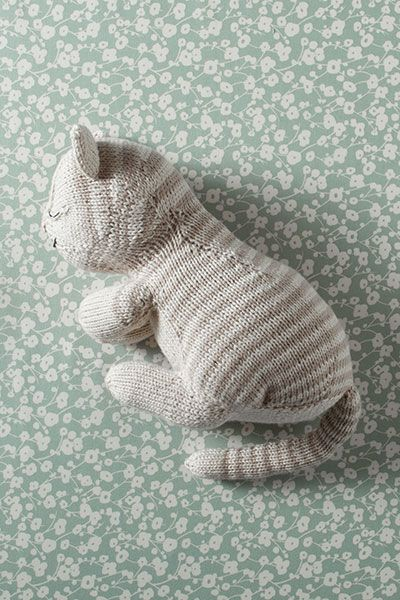 Knitting Patterns For Dogs And Cats : Sleepy Kitty Soft Toy - Knitting Patterns and Crochet Patterns from KnitPicks...
