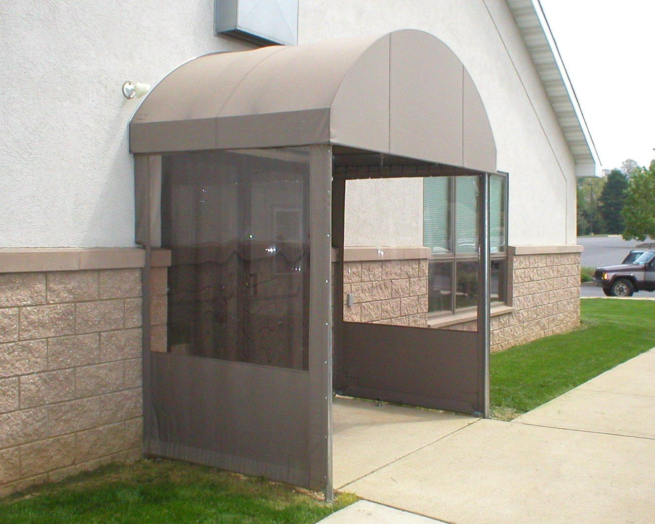 Lititz Pa Awning With Vestibule Clear Panel Sides Keep Out The Winter Weather And Wind Entrance Vestibule Awning Canopy