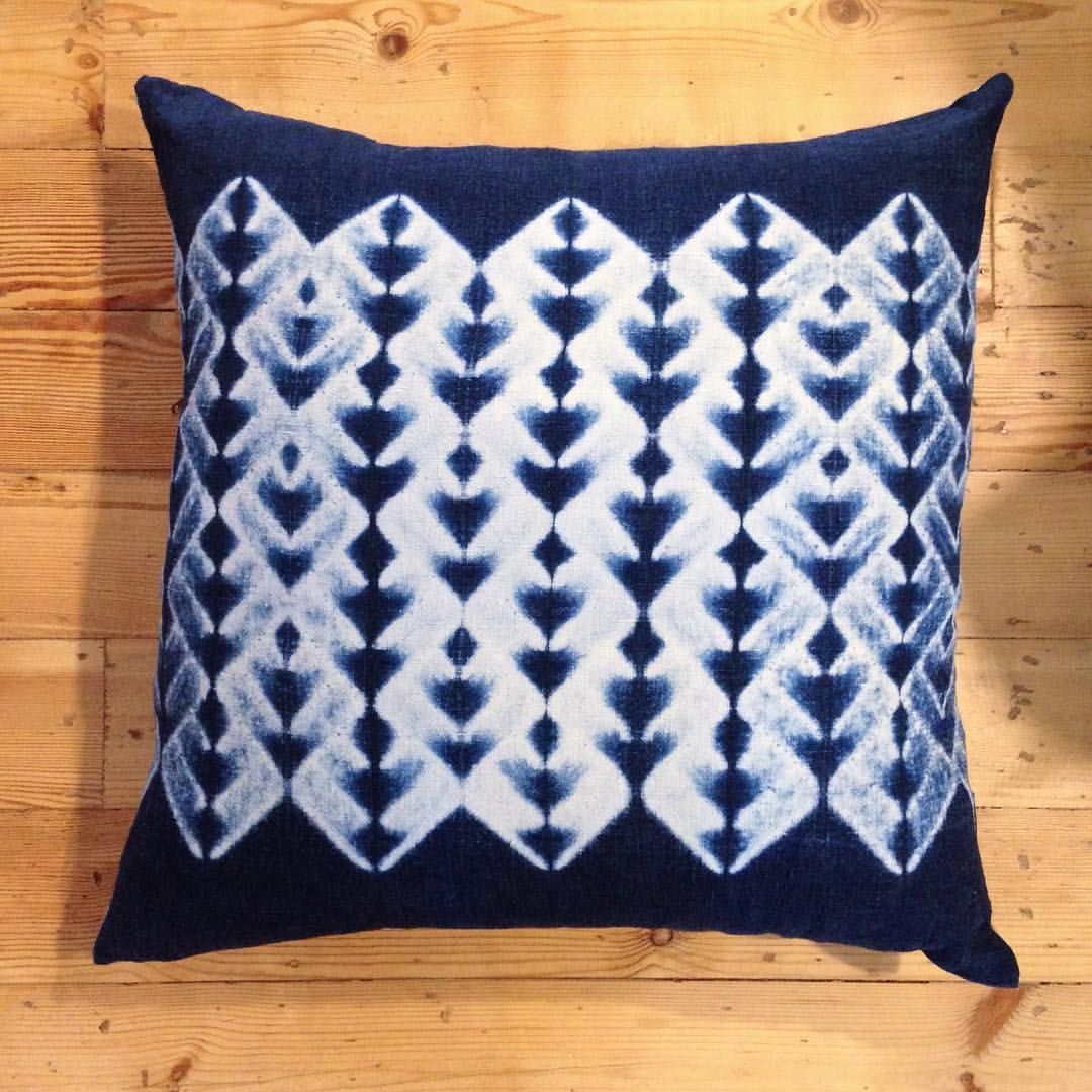 indigo dyed shibori cushion by creative Luisa Uribe | Indigo Bluefields