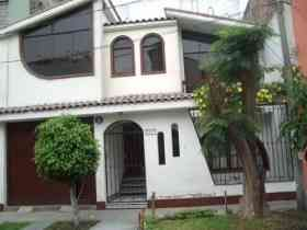 Pin by Maritza Herrera on Fachadas de casas en PeruHouses