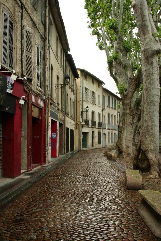 Cobblestone In Avignon France Locais Para Viajar Paris Paris