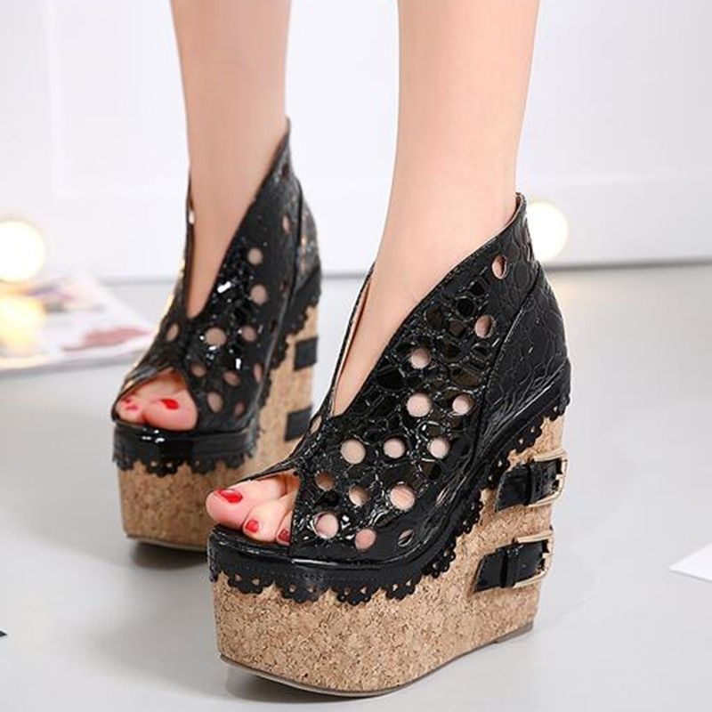 c53283534c47 Shoespie Stylish Cut Out Buckle Wedge Heels