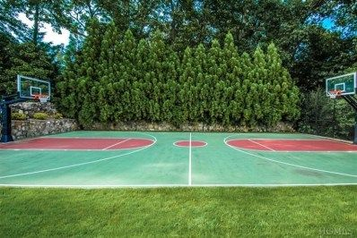 Basketball Court In Your Very Own Backyard Home Basketball Court Outdoor Basketball Court Backyard Basketball