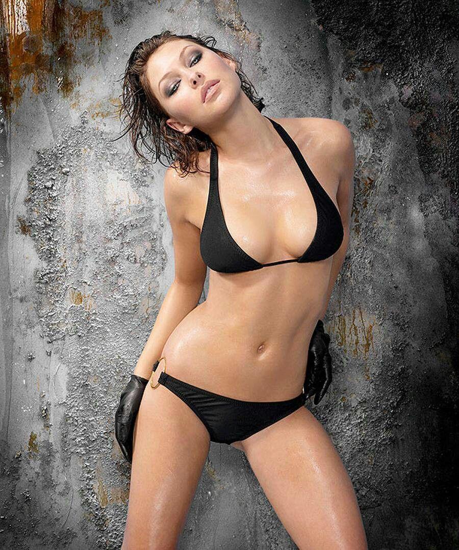 Bikini Emma Willis nude (59 photo), Topless, Hot, Twitter, legs 2006