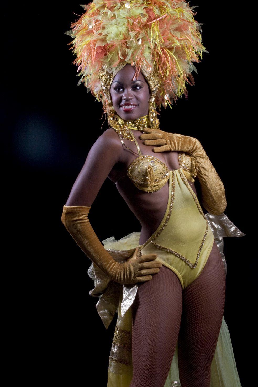 Dancer Tropicana Cabaret Havana Cuba Some Destinations Remain For Good I Carnival Outfit Carribean Caribbean Carnival Costumes Carribean Carnival Costumes