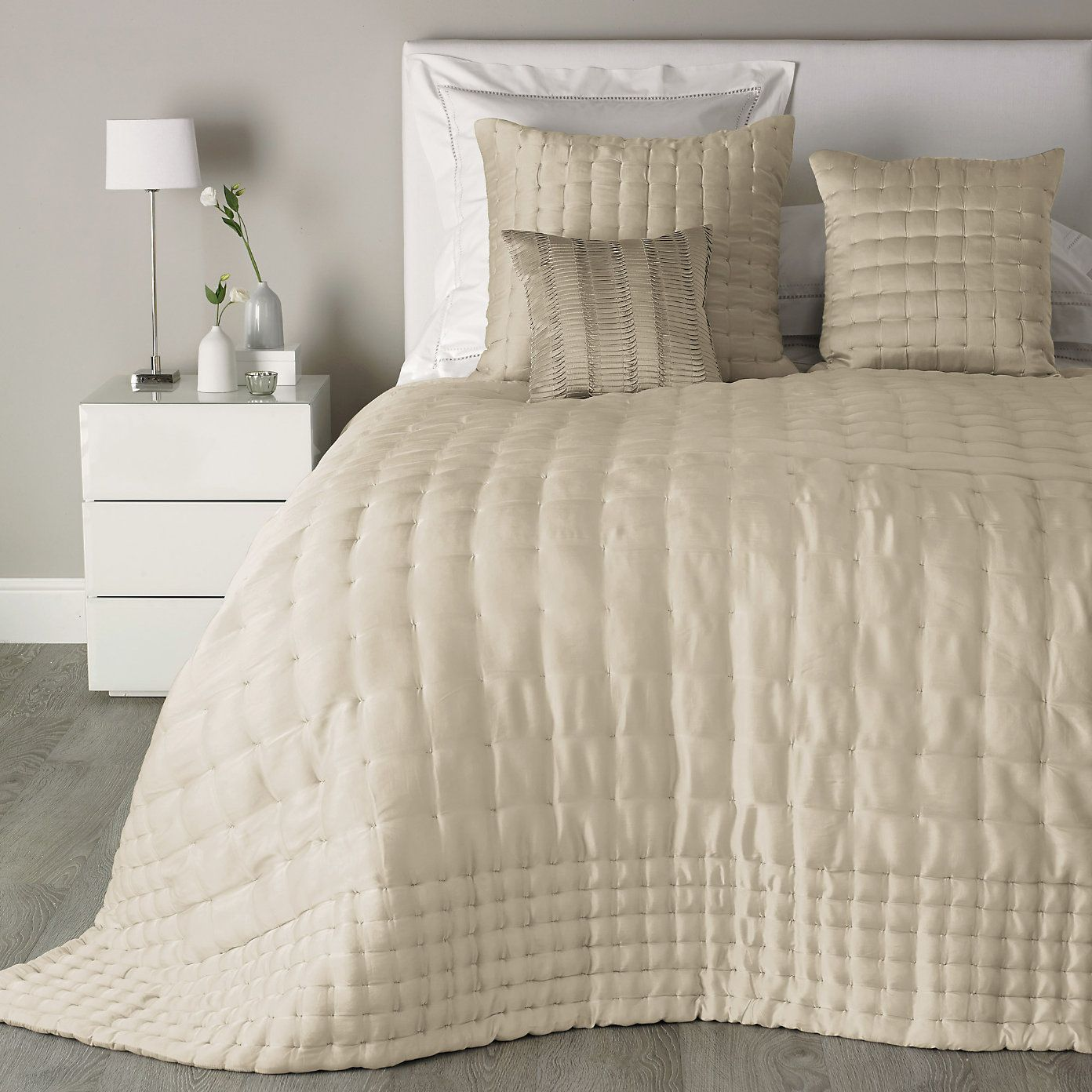 Clarendon Quilt - Natural | The White Company £300 double
