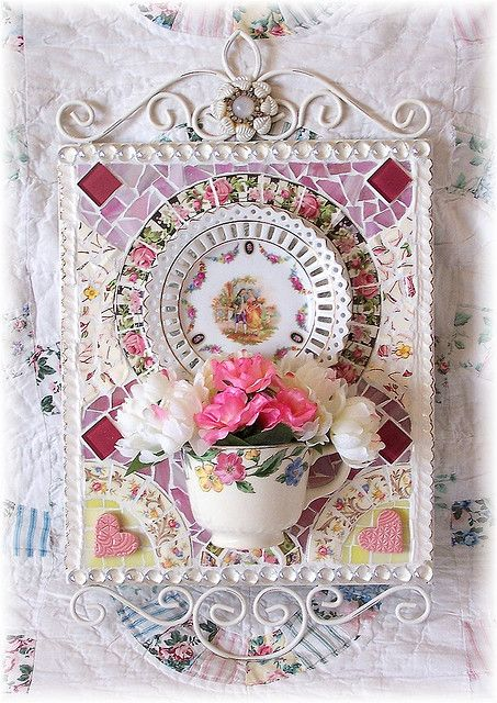 half teacup wall plaque poterie mosaique art nouveau porcelaine pinterest porcelaine. Black Bedroom Furniture Sets. Home Design Ideas