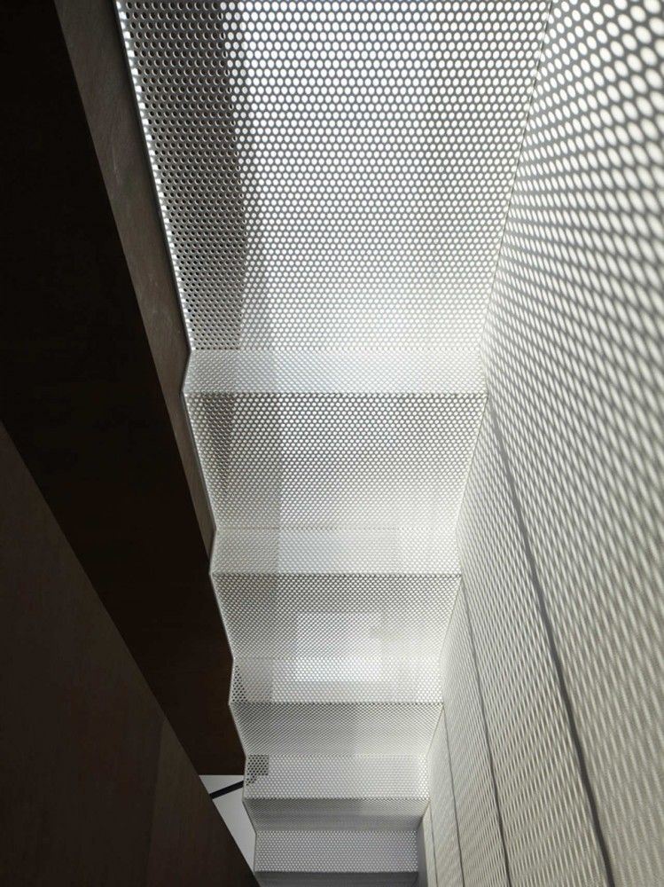 Best Is Yo Yamagata Architects Metal Stairs Perforated Metal Metal Mesh 400 x 300