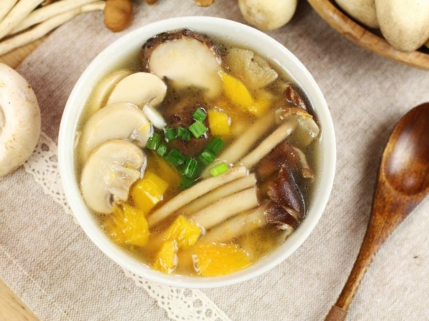 Simple recipe pumpkin mix mushroom soup httpdaydaycook daydaycook is the hottest new culinary website across asia offering step by step instructions and videos on how to cook chinese food recipes forumfinder Gallery