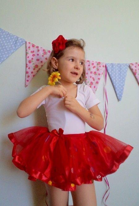 f3aa7961ef Saia Bela - vermelha poás coloridas Mais Carnaval Para Crianças ...