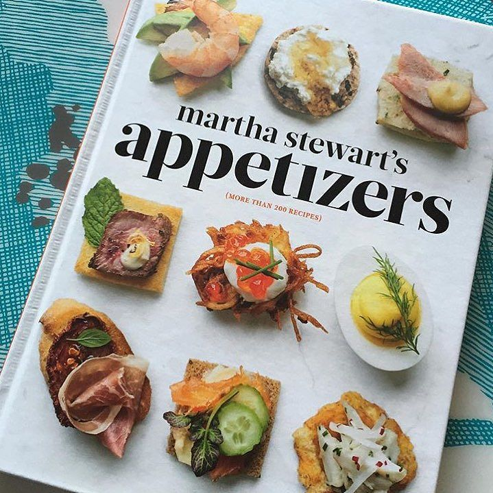 Last weekend to enter our #marthaapps contest! Upload a pic of your go-to app with the hashtag for a chance to win great prizes. If your in the NY area -- Martha will be signing the book today at @williamssonoma at the Bridgehampton Commons store from 2-4pm EST. come say hi!  photo by @eventsbeyond by marthastewart